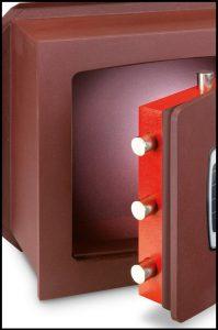 caja fuerte con cerradura bloqueada
